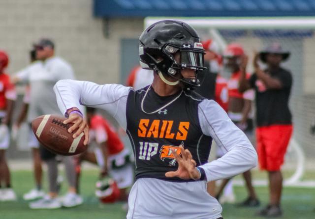 Hoover High School quarterback Robby Ashford